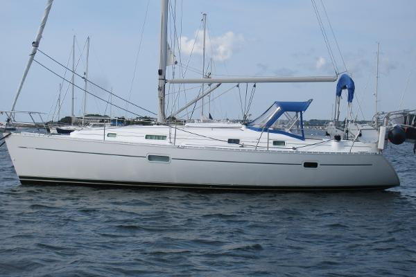 Beneteau 361 Hull profile port