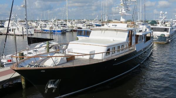 Feadship 101' Classic Motor Yacht