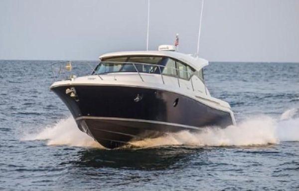 Tiara Yachts 39 Coupe