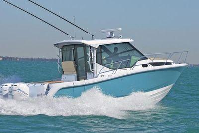 Boston Whaler 325 Conquest Pilothouse