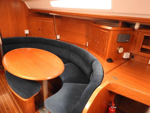 Jeanneau Sun Odyssey 34.2 - Seating