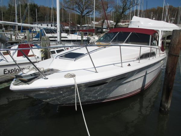 Sea Ray 340 Express Cruiser Port Bow