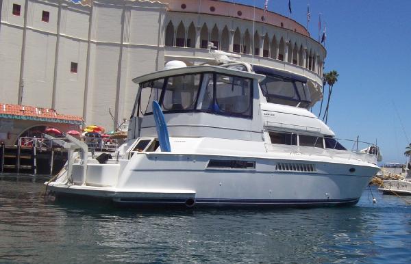 Carver 500 Cockpit Motor Yacht Avalon