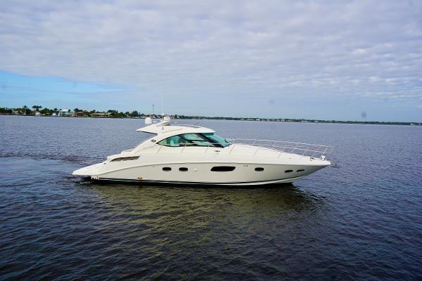 Sea Ray 470 Sundancer Profile