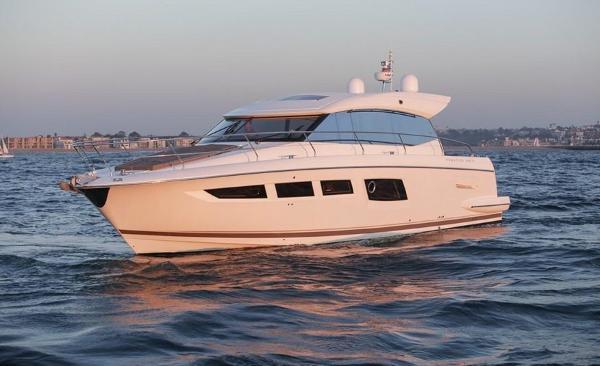 Prestige 500 S Sister Boat