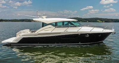 Tiara Yachts 44 Coupe