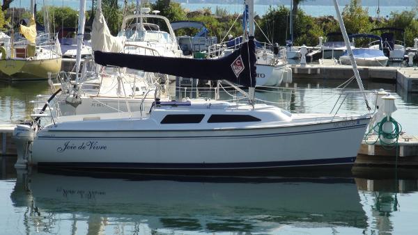 Catalina 250 At Dock