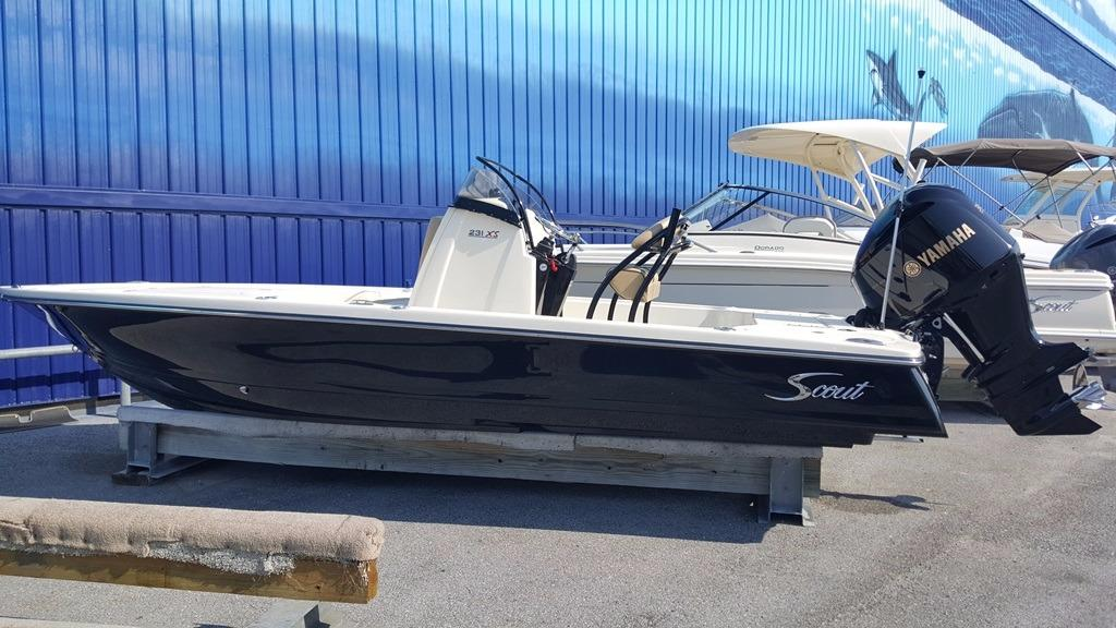 Scout Boat Company 231 XS