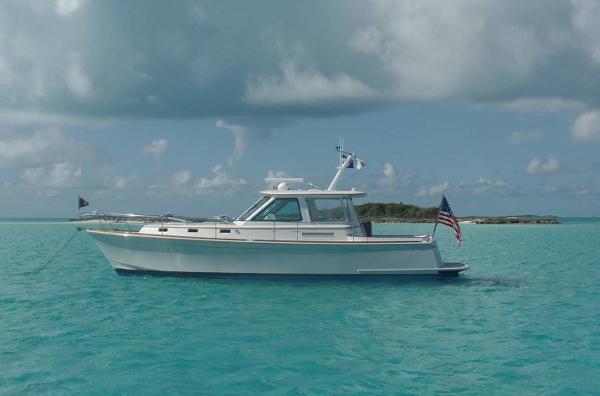 Alden 40 Express Cruiser Alden 40 Express Cruiser