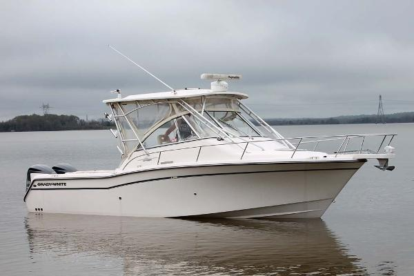 Grady-White 305 Express Profile
