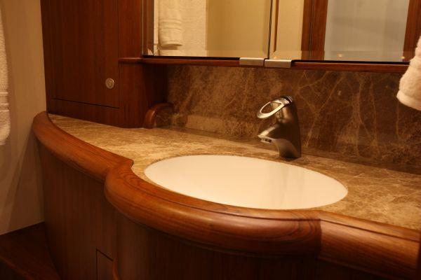 Master Head Sink