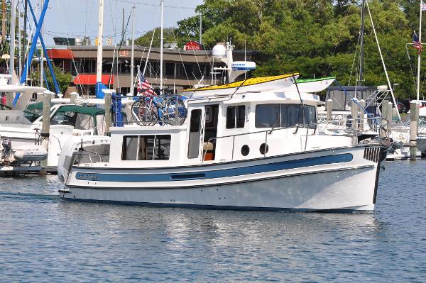 Nordic Tugs 34 Strbd Profile