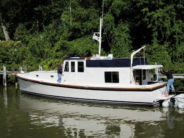Uniflite 50 ft Custom Motor Yacht Dockside