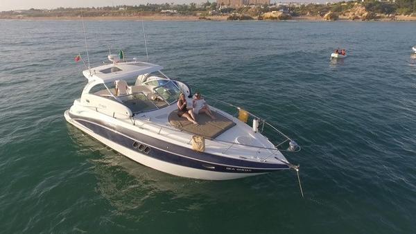 Cruisers Yachts 360
