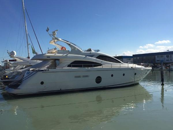 Aicon Yachts 64 Fly 4 Cabins