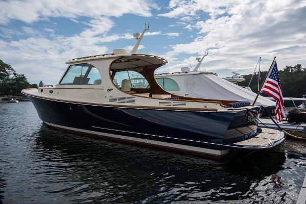 Hinckley Picnic Boat MKIII Blue Moon