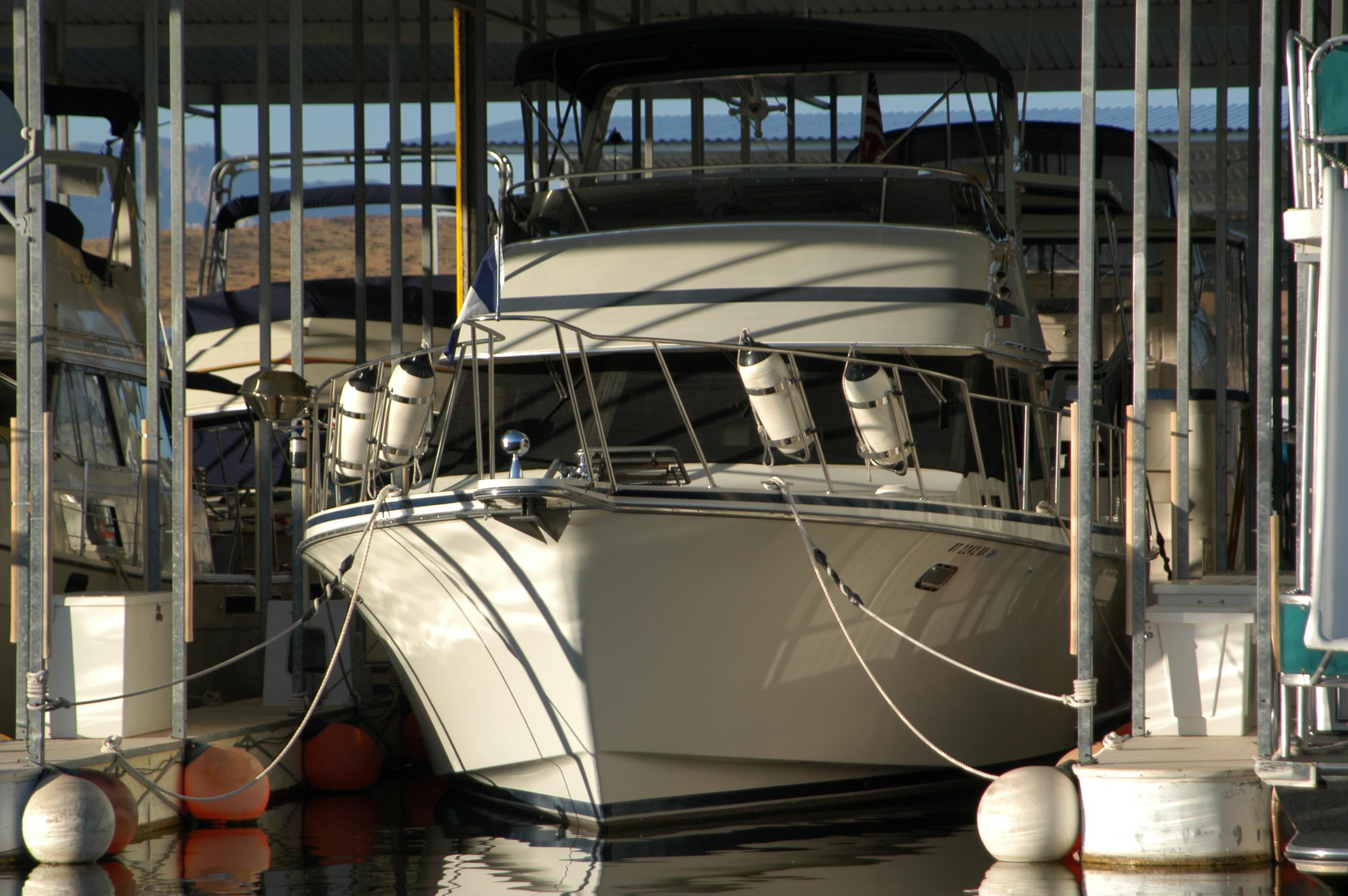 Motor Yacht Boatel for 6 people Barcelona Spain