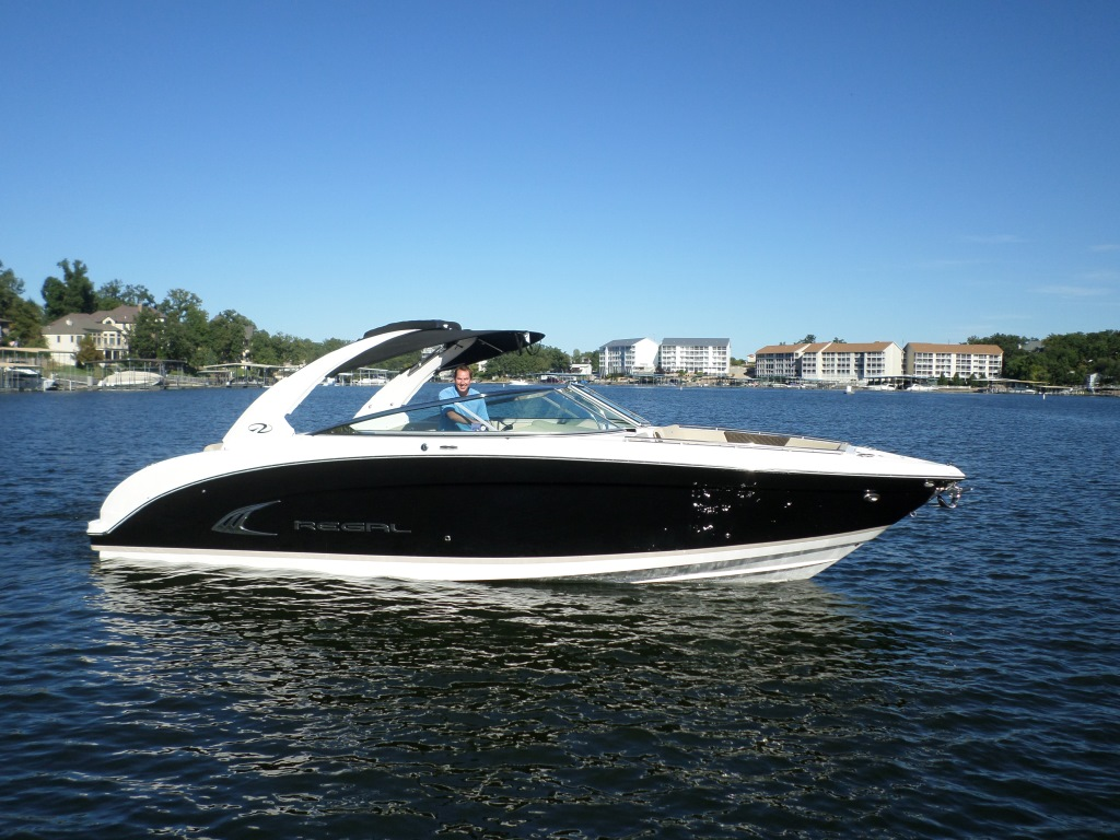 Regal Bowrider 3200