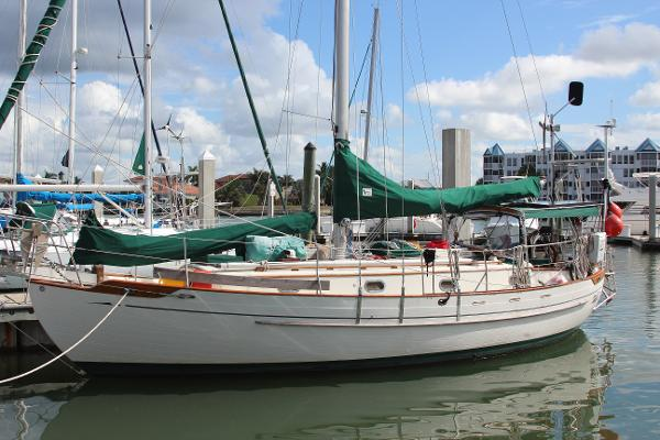 Tayana Tayana 37 Ct Portside Profile