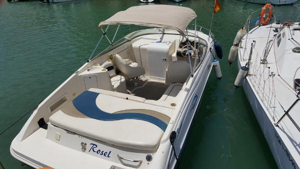 Rinker 212 Captiva Cuddy