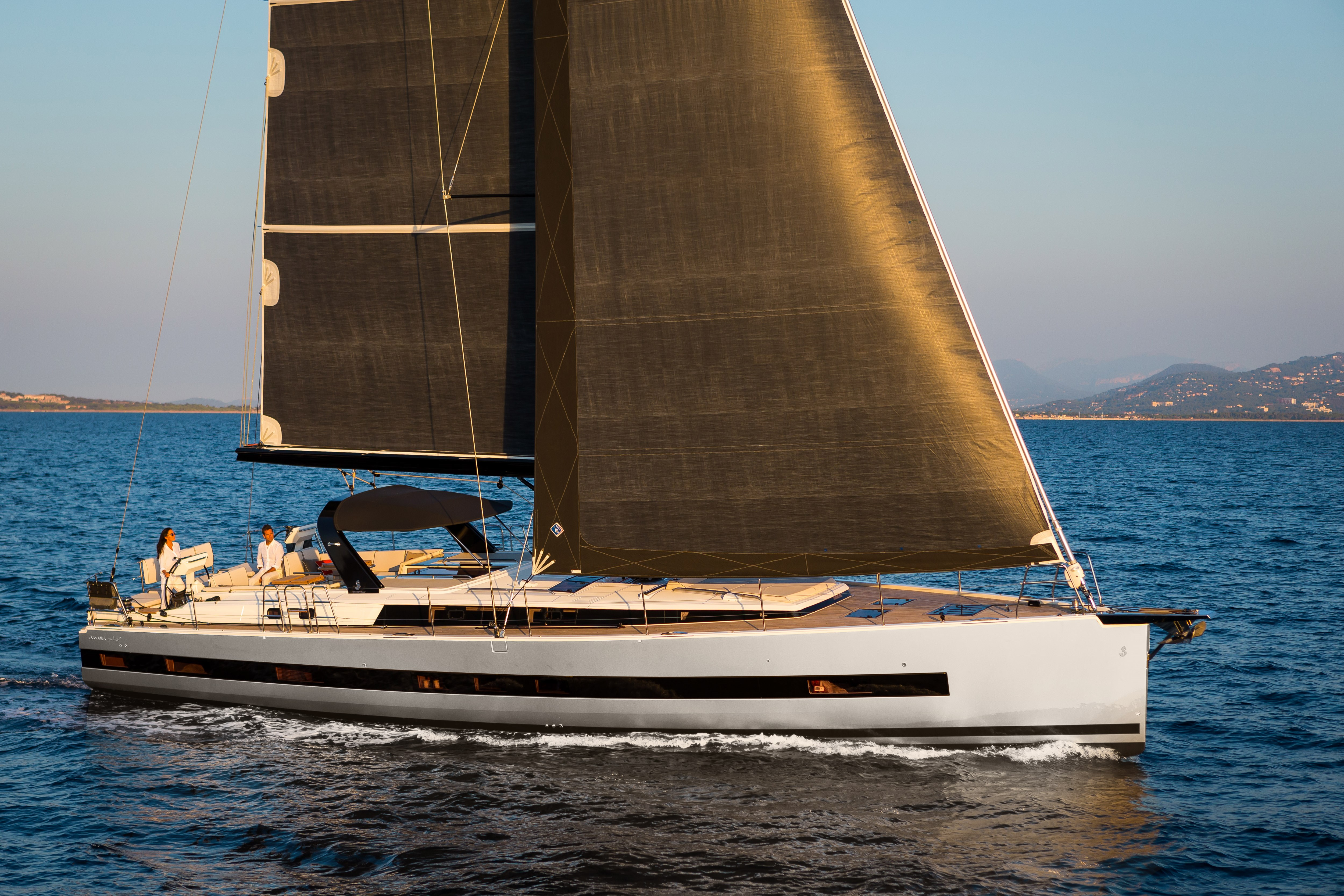 Beneteau Oceanis Yacht 62 External library picture