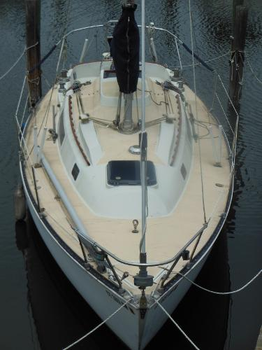 C&C 30 Sloop Hull Shape