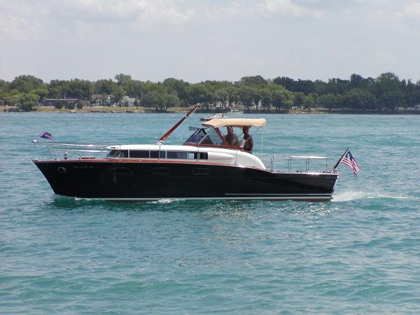 Chris-Craft 33 Futura