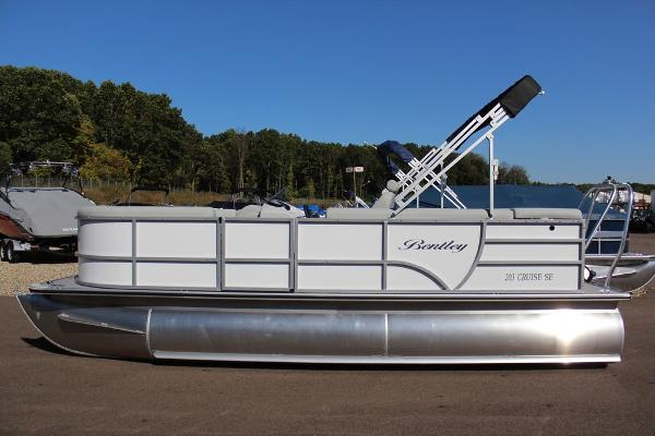 Bentley Pontoons 203 CRUISE SE RE TRI-TOON