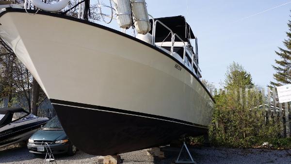 Mainship Mediterranean Convertible