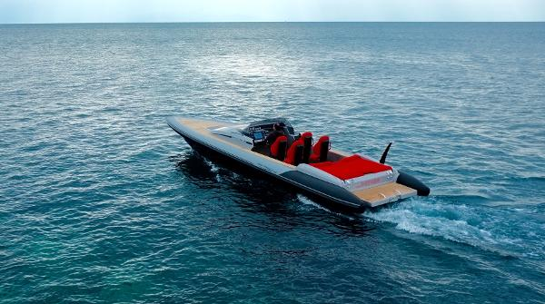 Technohull 35 inboard