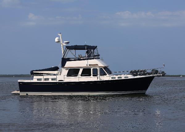 Sabre 47 Motor Yacht