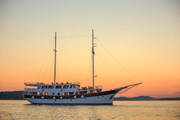 Marina Vinici Wooden Schooner Cruise Ship