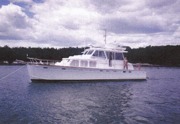 Huckins Linwood 53 Motoryacht On Her Mooring