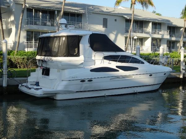 Cruisers 405 Express Motoryacht