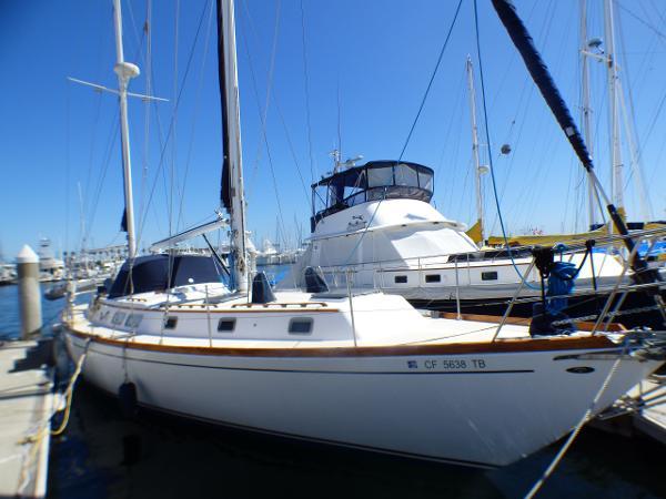 Gulfstar 50 Ketch Starboard Profile
