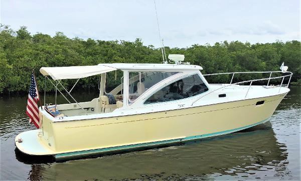 MJM Yachts 34z Express