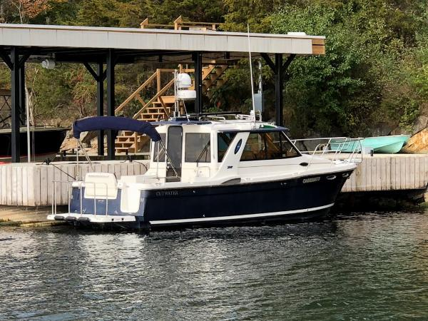 Cutwater 28 Luxury Edition HT Cruiser Starboard Profile