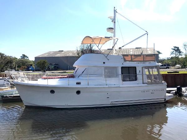 Beneteau 34 Swift Trawler Port side Profile