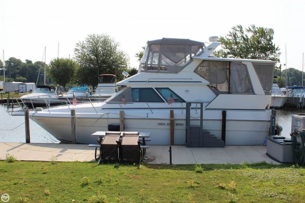 Sea Ray 380 Aft Cabin 1989 Sea Ray 380 Aft Cabin for sale in Ashtabula, OH