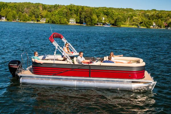 Crest Pontoon Boats II 230 L Manufacturer Provided Image