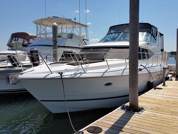 Cruisers 4450 Express Port Bow Profile
