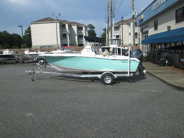 Tidewater Boats 198 Center Console