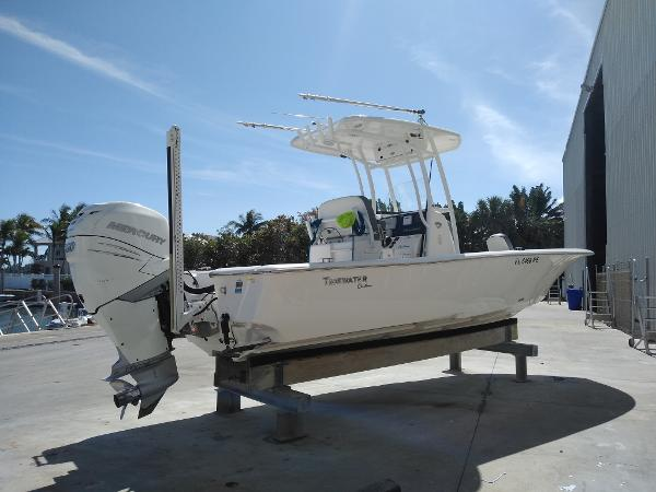 Tidewater 2500 Custom Carolina Bay