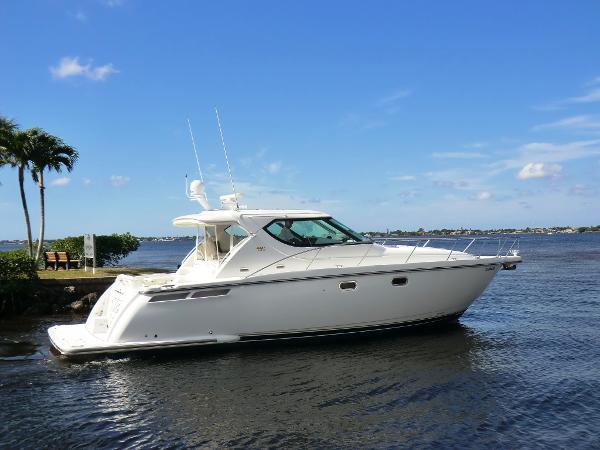 Tiara 4300 Sovran Profile