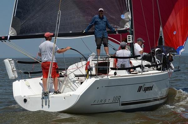 Beneteau 10R Beneteau 10R - Sailing