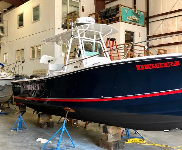 Regulator 26 Fs Starboard Profile