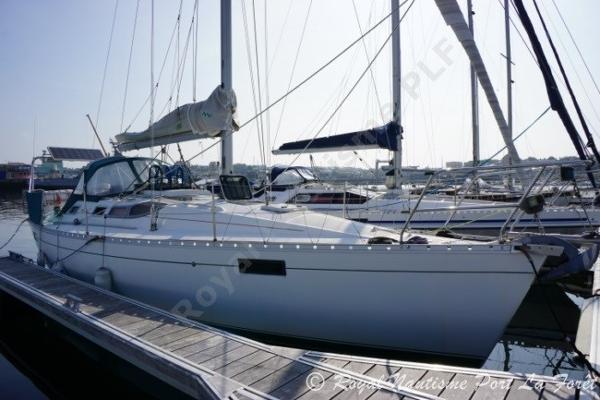 Beneteau Oceanis 350 BENETEAU OCEANIS 350