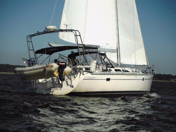 Catalina 400 MkII Starboard tack