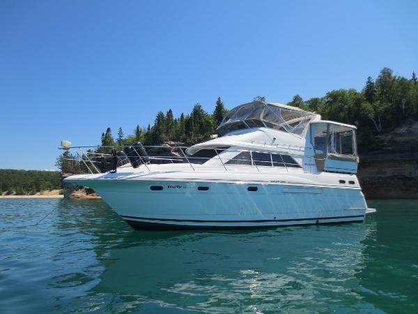 Cruisers yachts 3650 boats for sale for Migliori cabin charter in wisconsin