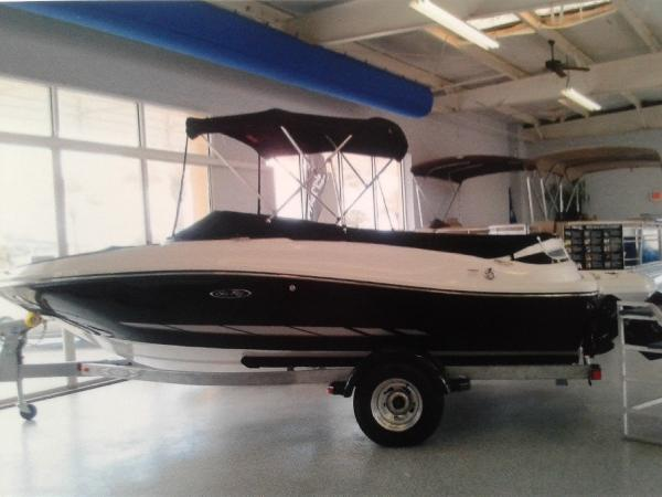 Sea Ray 190 Sport Boat on the Trailer